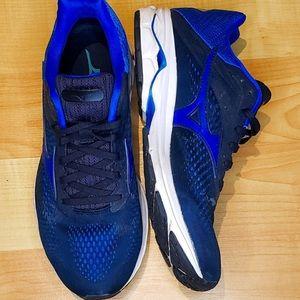 EUC Running Shoes